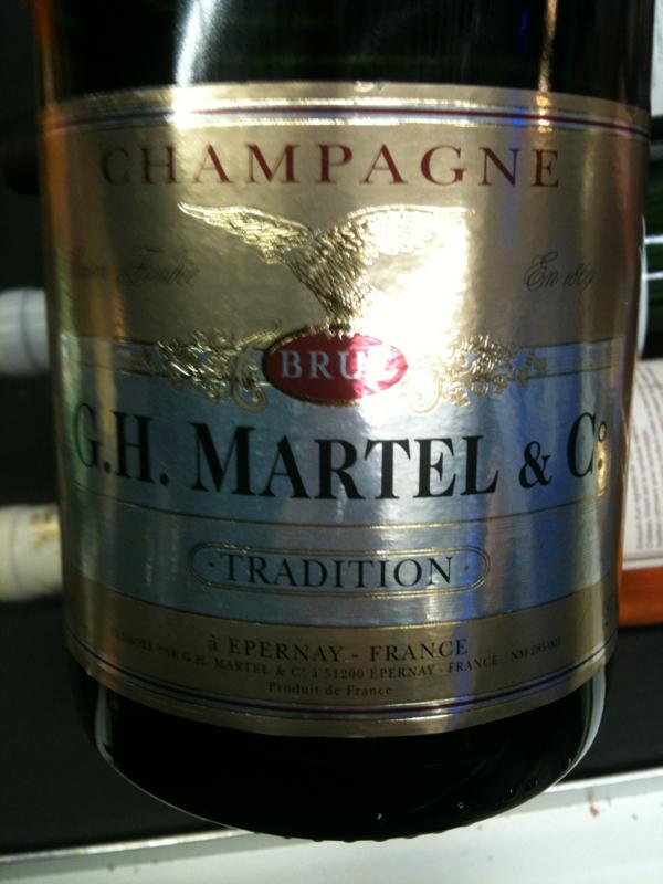 Champagne aoc brut tradition gh martel 12 75cl tous for Champagne delamotte brut prix