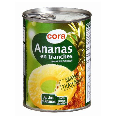 Ananas tranches entières au jus d'ananas.
