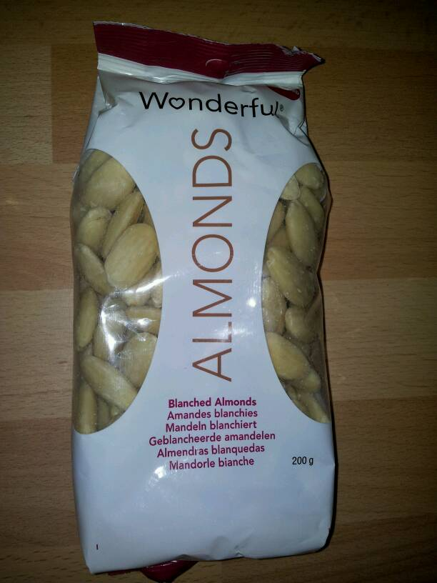 Amandes blanchies, emondees