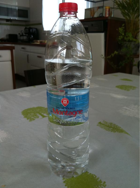 eau de source laqueuille bouteille 1 5l tous les produits eaux plates prixing. Black Bedroom Furniture Sets. Home Design Ideas