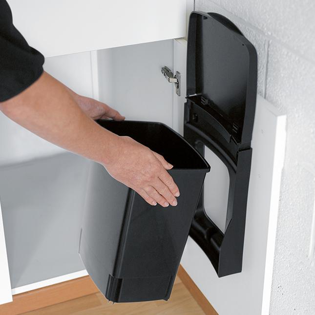 atylia poubelle de placard brabantia 10l couleur noir matiere plastique tous les produits. Black Bedroom Furniture Sets. Home Design Ideas